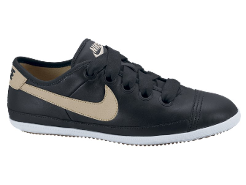 Home Currently out of stock Women's Footwear - Nike Flash Macro