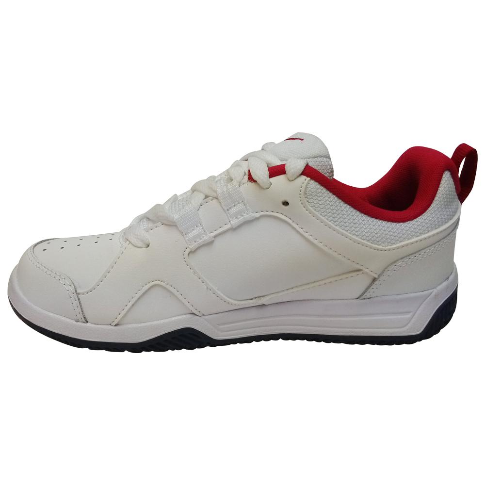 chaussure nike lykin 11 gs pour petit gar on sport flash plus. Black Bedroom Furniture Sets. Home Design Ideas